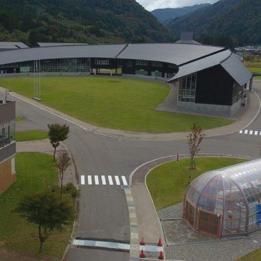 金沢工業大学 木製農業用ビニールハウス